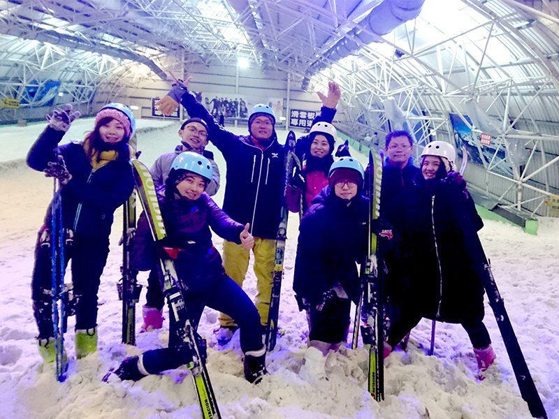 挑戰滑雪道上