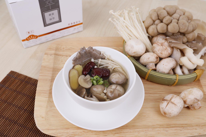 桑黃仙草蕈菇湯